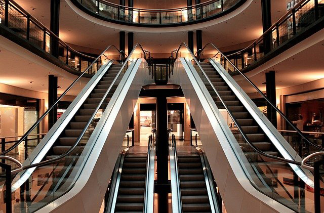 photographe escalator centre commercial france